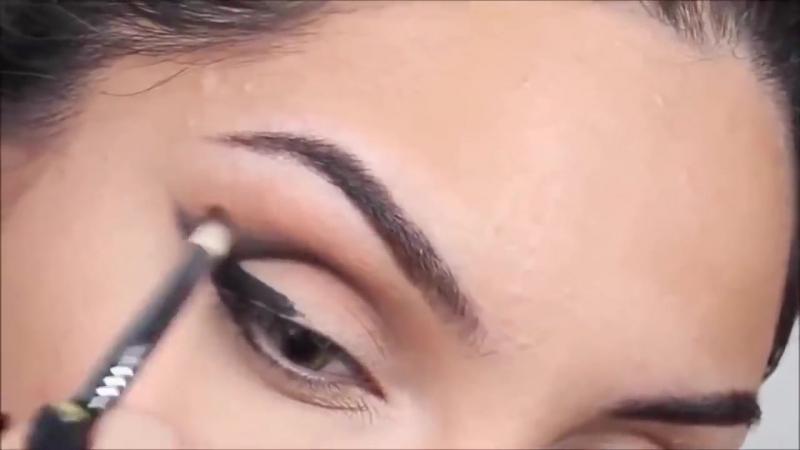 Макияж для серых глазсо стрелками. Макияж в карандашной технике