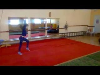 Цирковая ДК МАЗ Минск, тренировка маховое через колесо (Саша Зубкова)