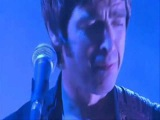 Noel Gallagher Crying on stage - Oasis Beady Eye High Flying Birds