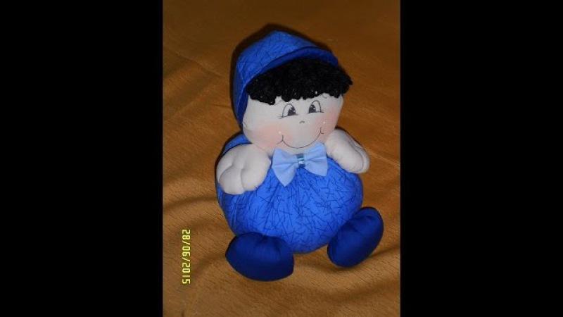 Passo a passo de boné para bonecos de tecido, bebês e crianças.
