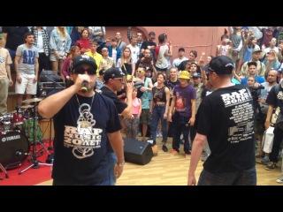 Группа Bad Balance исполнила легендарный хит - Город Джунглей, 4 июля 2015 г.