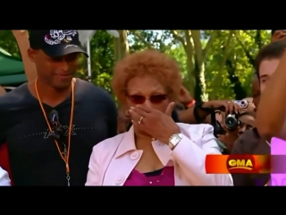 Whitney Houston performs 'I Look To You' for   in Good Morning America (GMA) to mother Cissy Houston