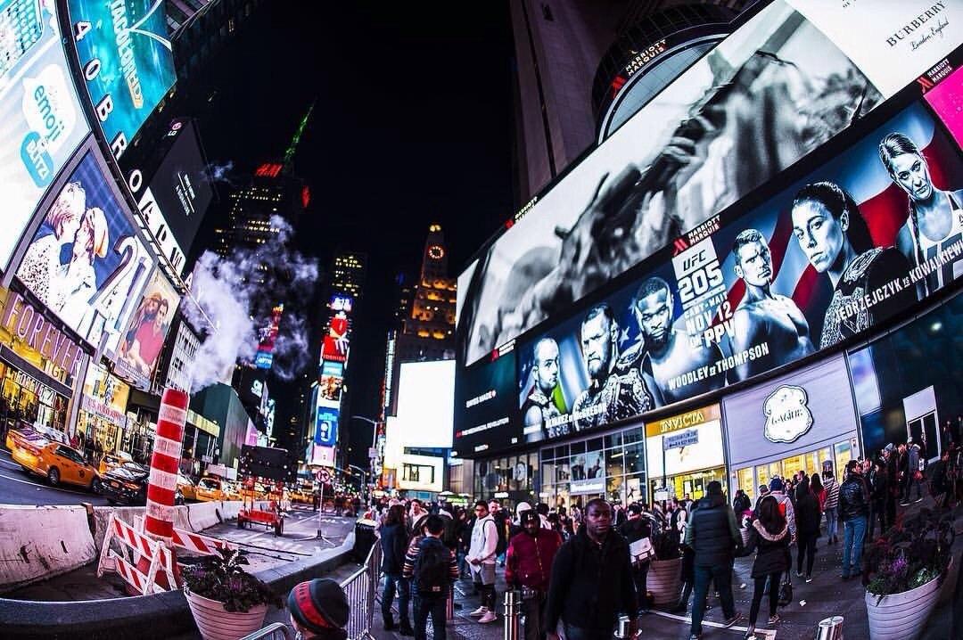 Нью-Йорк в преддверии UFC 205