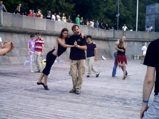 Хастл-Танго поддержка ДОЩЕЧКА
