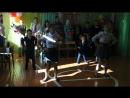 Танец девятиклассниц и первоклассников