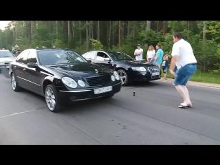 A6 C6 vs Mercedes W211