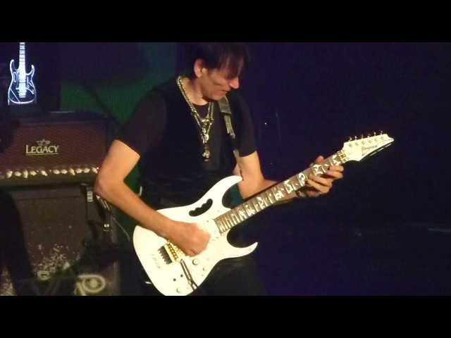 Steve Vai - The Audience is Listening [Plaza Live, 27.11.2016]