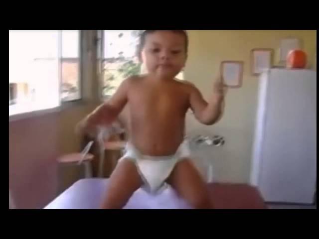 Прикольные танцы Маленькие дети танцуют
