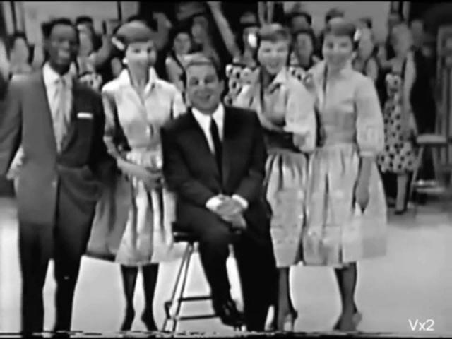 Perry Como, Nat King Cole - Hot Diggity Dog Ziggity