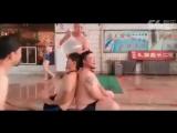 Китайцы умеют одевать презерватив на 2 головы