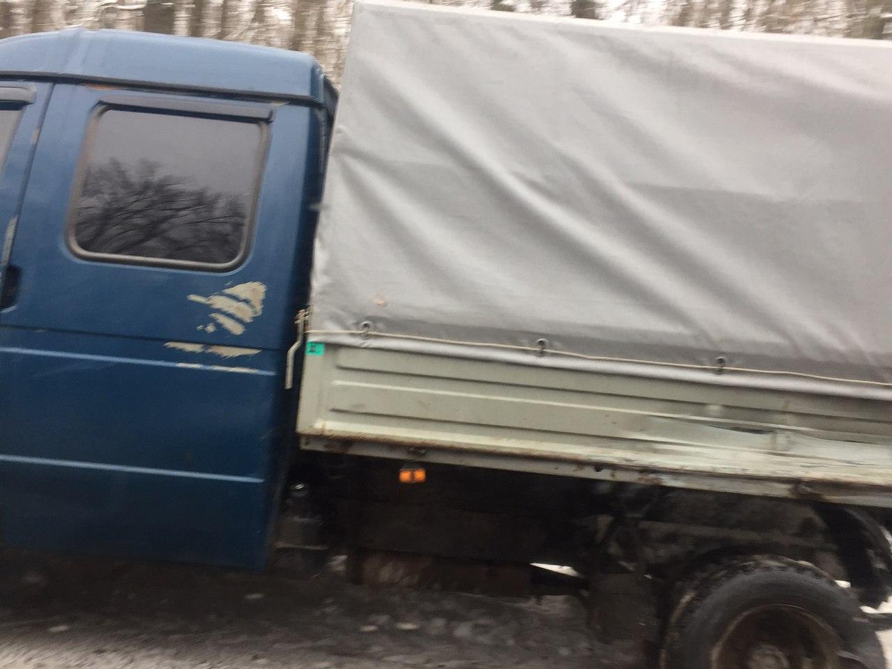 ВХарькове авто въехало вмашину патрульных, остановившихся из-за тройного ДТП