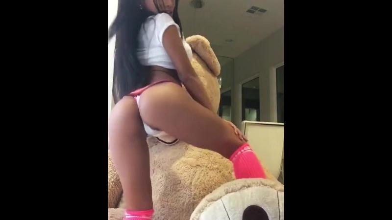 Сексуальная азиаточка CJ Miles секс порно в лосинах интим sex porno стриптиз Sex Girls Красивые попки на вебку вебка