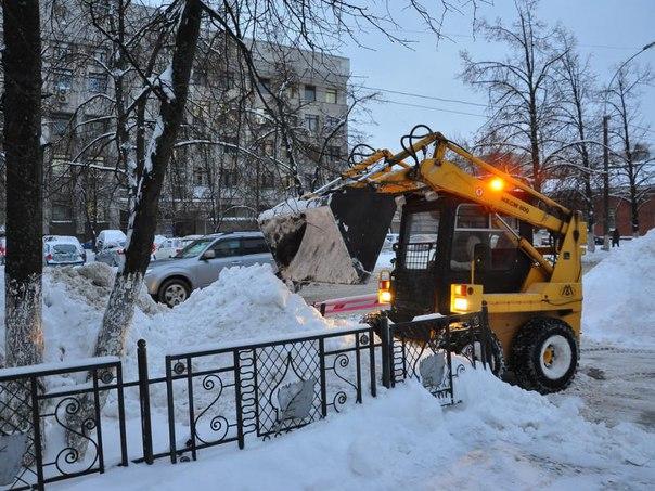 Вывоз снега с улиц города будет производиться все выходные дни  С 23 п