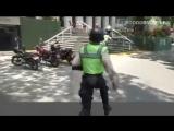 В Венесуэле полиция устроила охоту за протестующими