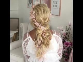 Романтичная прическа с косой