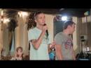 Вот так надо петь в караоке! Парни исполнили для девушек необыкновеннÑ