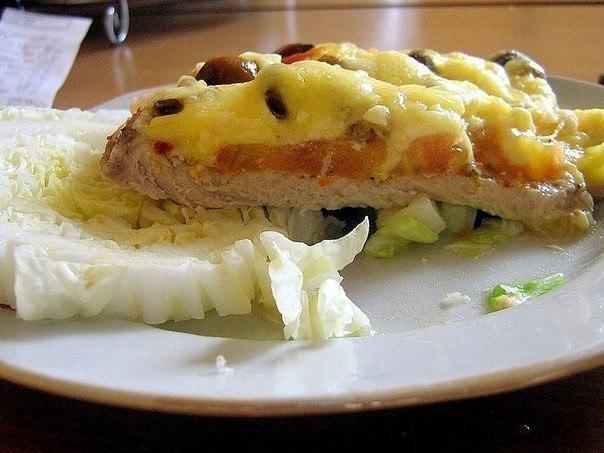 Мясо по-купечески (с грибами) Ингредиенты: -Свинина (карбонат) - 4