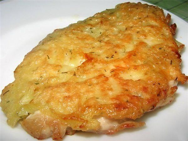 Куриные отбивные с сыром Ингредиенты: куриной грудинки - 500