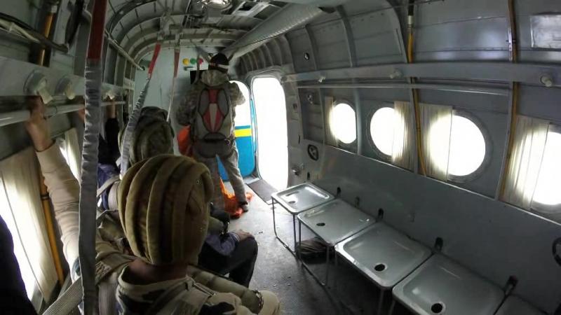Прыжки с парашютом с Ан-2 Мой парашют планирующий парашют-крыло Лесник-3 Высота прыжка 1300 метров