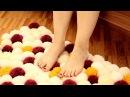 Как сделать оригинальный коврик из шерстяных помпонов