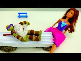 Кукла #БАРБИ ? лечит Донателло! Видео игрушки ? Черепашки Ниндзя. Игры доктор. ...