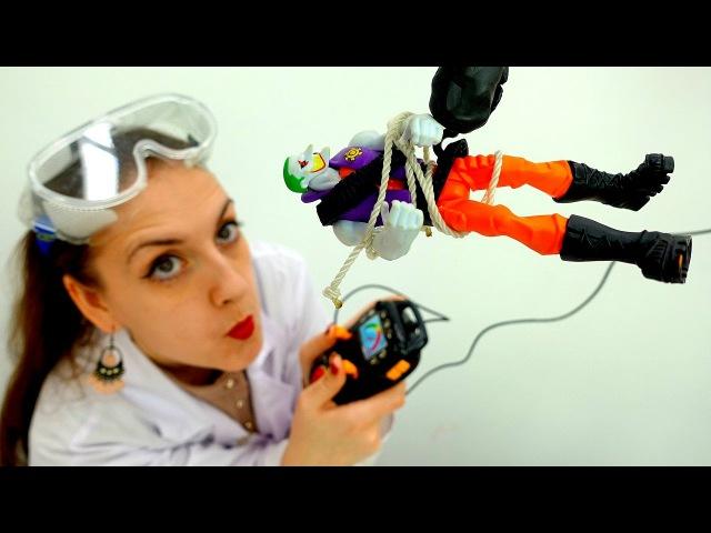 💈 Как разговорить Джокера? КуклаБарби Шпионка! Видео игры для детей. ОпытыДом ...