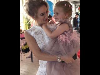Вот такой замечательный праздник устроила Елена Бушина для своей дочери Лауры