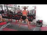 Фитнес упражнения. Приседания с гантелей для накачки попы