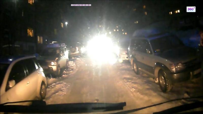 Блокировавшую дорогу скорой помощи жительницу Камчатки сняли на видео » Freewka.com - Смотреть онлайн в хорощем качестве