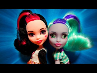 Monster High Draculaura & Twyla School Spirit Lunch Ghouls 2-Pack Doll Unboxing Toy Review