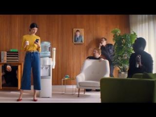 Пародия на идеальное селфи в рекламе от Huawei Perfect