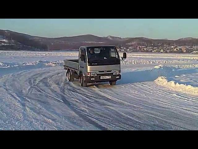 NISSAN ATLAS 4WD. Управляемый занос, дрифт