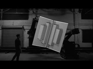 BOX - синтез реального и цифрового пространства, посредством Проекции на движущиеся поверхности.