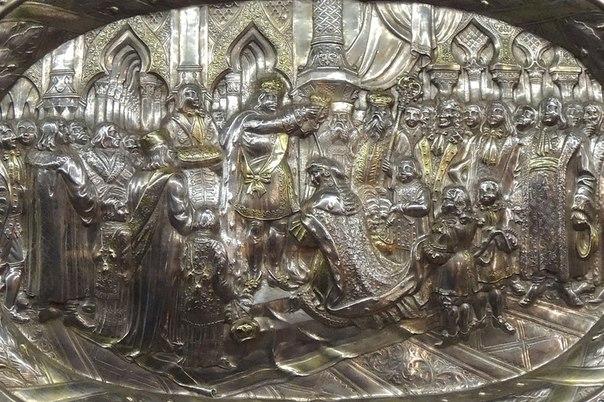 Блюдо «Коронация Екатерины I». Москва, 1724—1727. Мастер