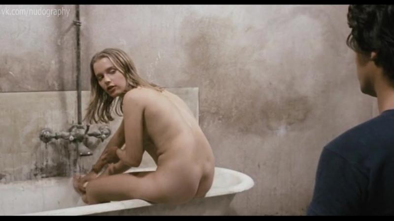 Рена Нихаус (Rena Niehaus) голая в фильме Пленница (Чудовище, La orca, 1976, Эрипрандо Висконти)