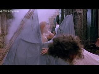 Орнелла Мути (Ornella Muti) в фильме Путешествие капитана Фракасса (Il viaggio di Capitan Fracassa, 1990)