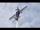 39-кратный чемпион мира по высшему пилотажу Светлана Капанина над Финским Заливом