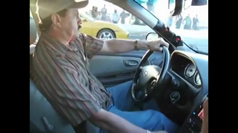 Таксист на Nissan против Porsche