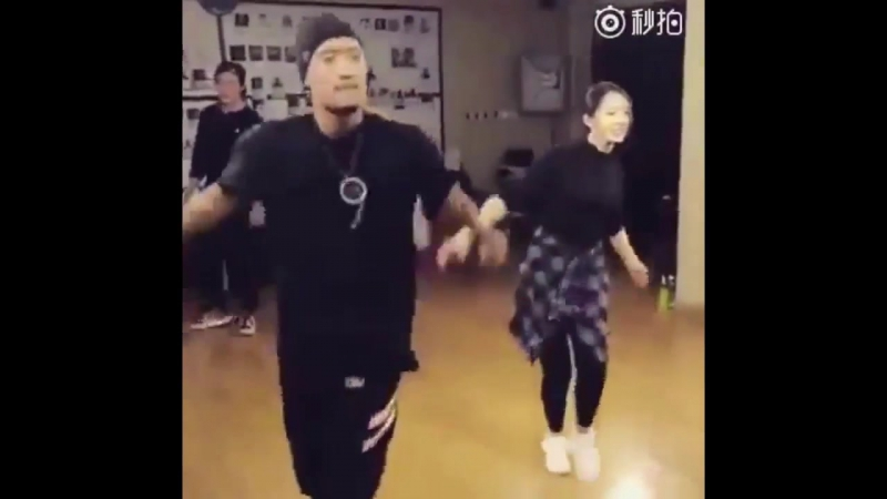 [SNS] 161204 Mei Qi - Dance Practice for Step Up 6 (Chinese Movie) @ Cosmic Girls