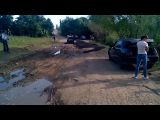 К приезду губернатора укладывают асфальт на землю и в грязь