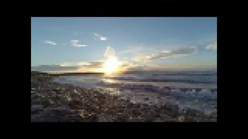 Çeşme Pırlanta plajı sahilde gün batımı Cesme Pirlanta beach sunset on seaside