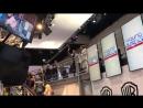Дженсен машет фанатам SDCC 2017