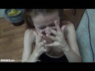 Молоденькая, смазливая Диана неумело и стеснительность сосетт членн и получает спермуу на все личико
