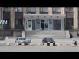 Укро-боевики проникают в горисполком города Тореза (убийство Романа Симоняна) (23 мая 2014) :