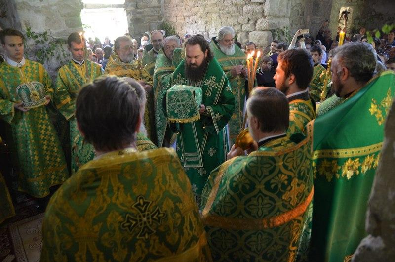 День Святого Духа отметили в Троицком храме древнего Аланского городища