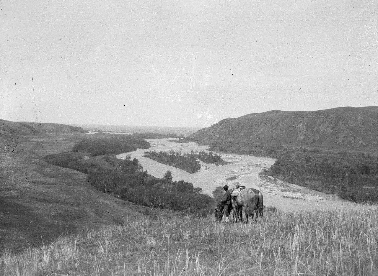 Река Текес. Вид на запад