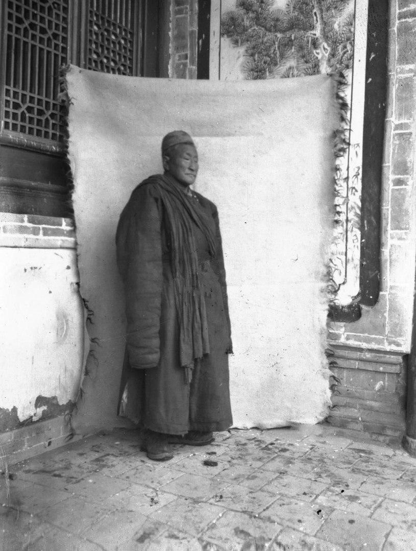 Настоятель монастыря