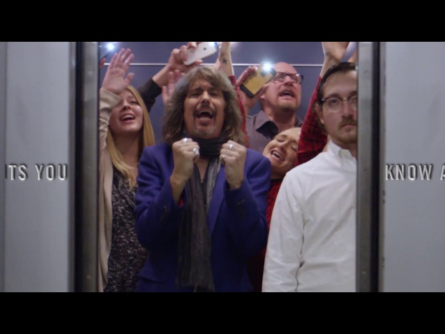 Foreigner - 40th-Anniversary Tour - Trailer Elevator