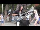 Крутой чувак с двугрифовой гитарой Геленджик 2016