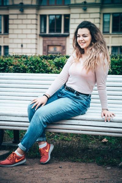 Лиза Безногова